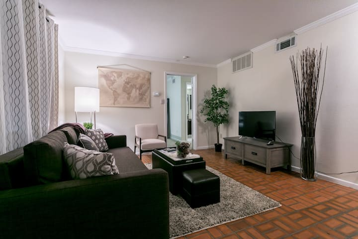 Location Location Location! Beautiful Condo in ATX