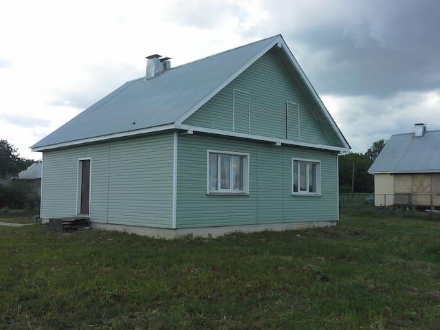33 м2 в настоящей деревне - есть все - Melekshino - Haus