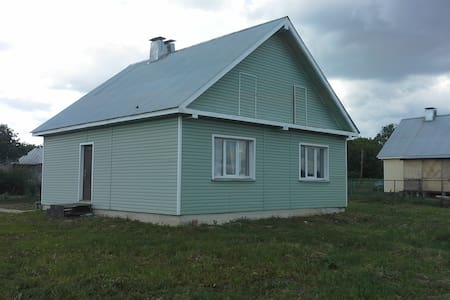 33 м2 в настоящей деревне - есть все - Melekshino - House