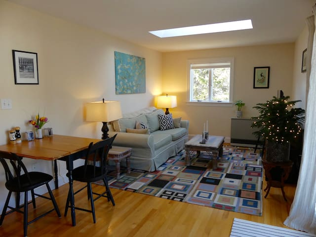 Private centrally located Kennebunk apartment