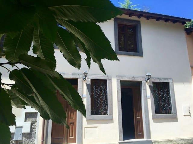 Casa fronte chiesa San Leonardo