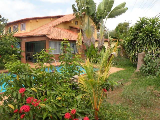 Casa con Piscina Playa Guacuco - Porlamar - Szeregowiec