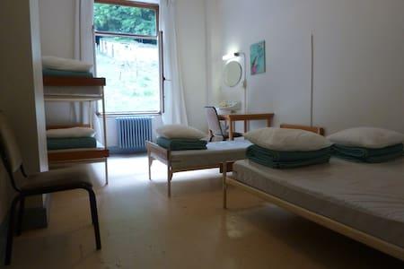 chambre familiale (5 personnes ) - Dinant