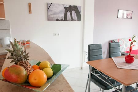 New, spacious app with free parking - Rovinj - Appartement