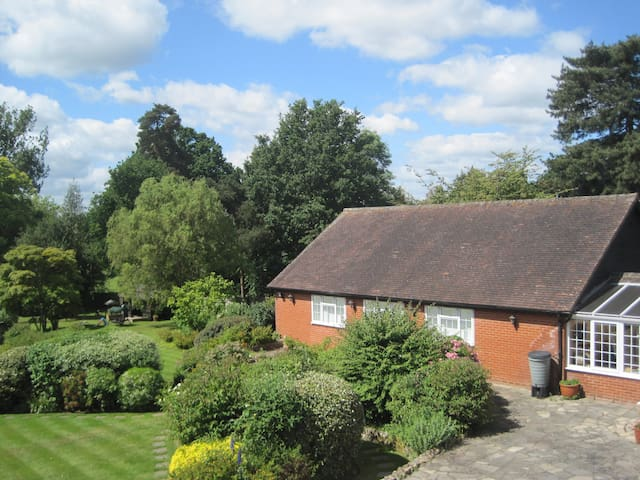 Lavender Cottage beautiful gardens - Yalding - Hus