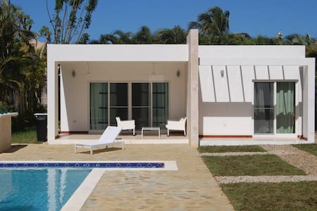 New villa 10min walk from the ocean