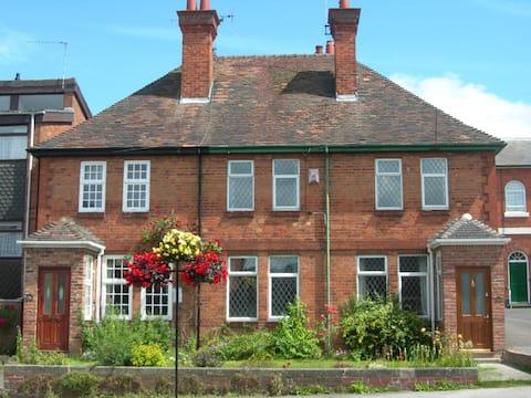 Comfy, market town home near Stratford Upon Avon
