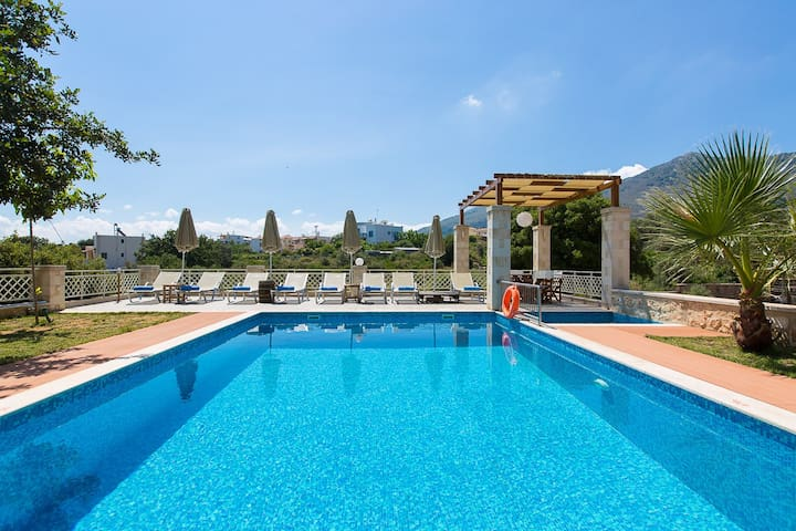 Villa Saridakis, a true mansion! - Rethymno