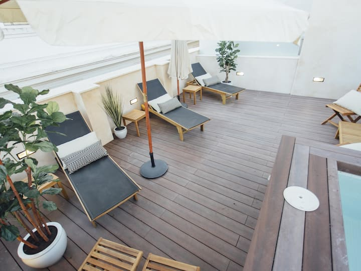 Moderno y Central Apartamento con Piscina