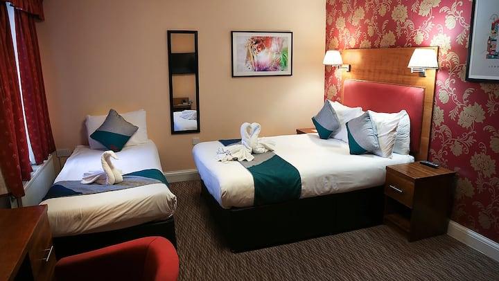 Mehfil Hotel Triple En-suite Standard