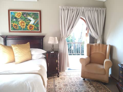 The Sunflower Room - Panorama Guest House KWT