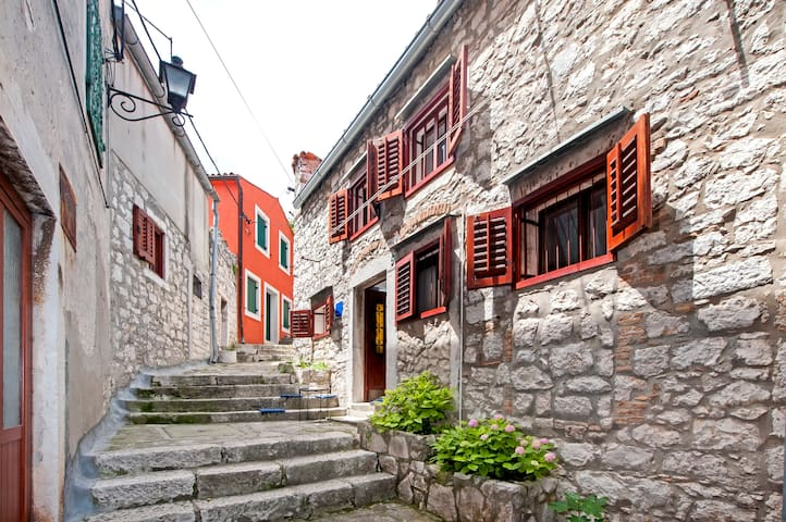 Apartmant in the old town of Rovinj ROSE