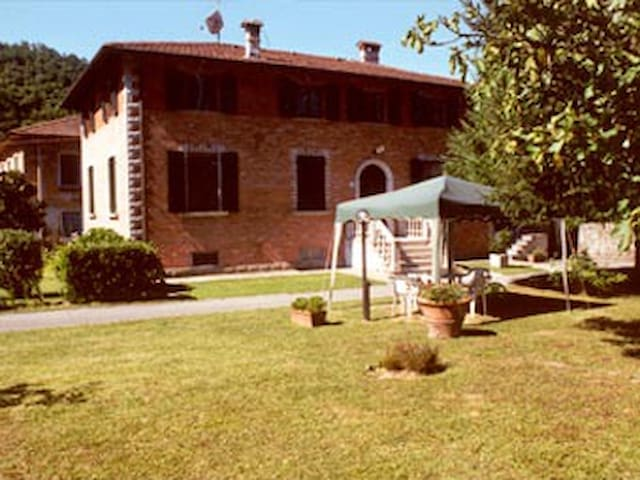 PEACEFUL HOUSE IN THE GREEN - Bagni di Lucca - House