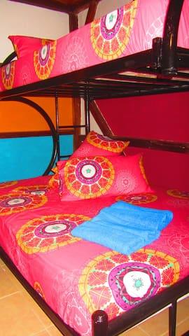 B&B Oasis Colibri - Beautiful room for 2-3 pax. - Mompiche - Penzion (B&B)