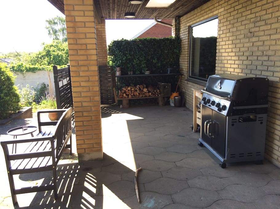Terrace with outdoor kitchen