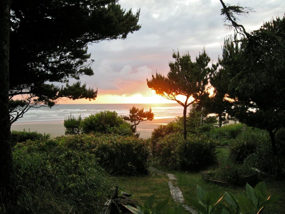 Ocean view from Cottage deck, private pathway to beach