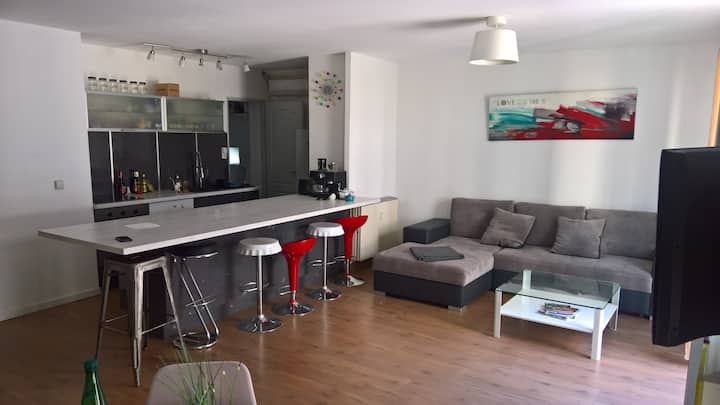 Appartement hyper centre (Place PIE)/Wifi /TV/Clim