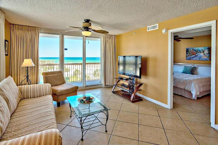2BR right on Pelican Beach, Ocean View, Pool, Wifi - Destin - Lägenhet