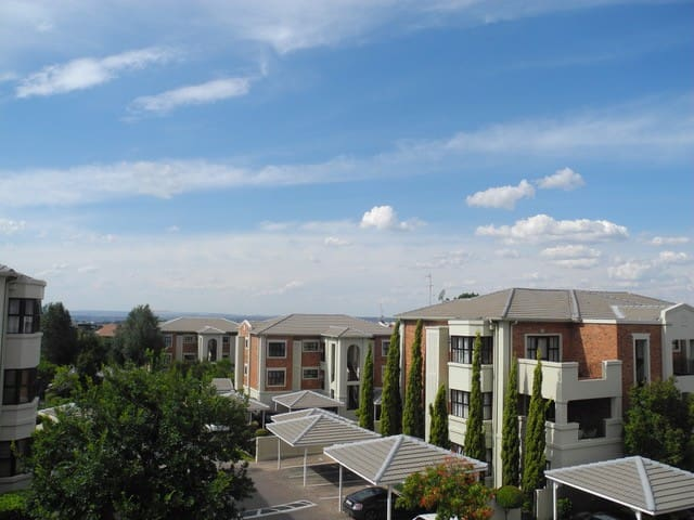 Designer Apartment in Bryanston