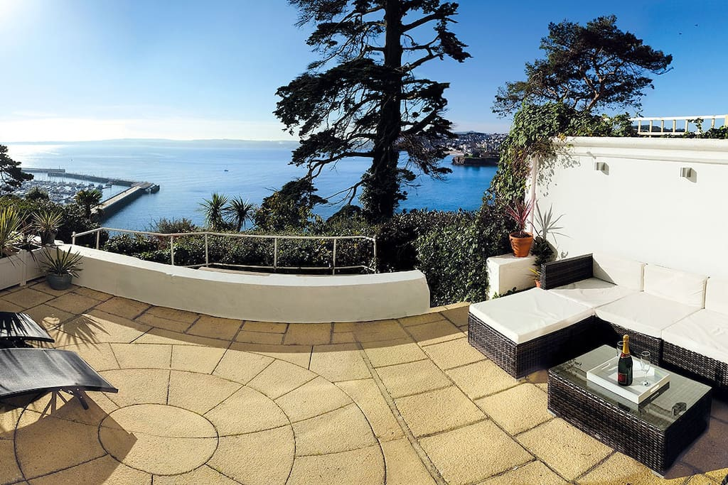 relax on the big terrasse