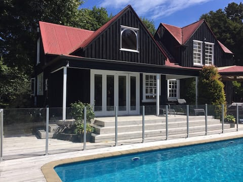 Artists Old Barn Loft - Luxury accomodation