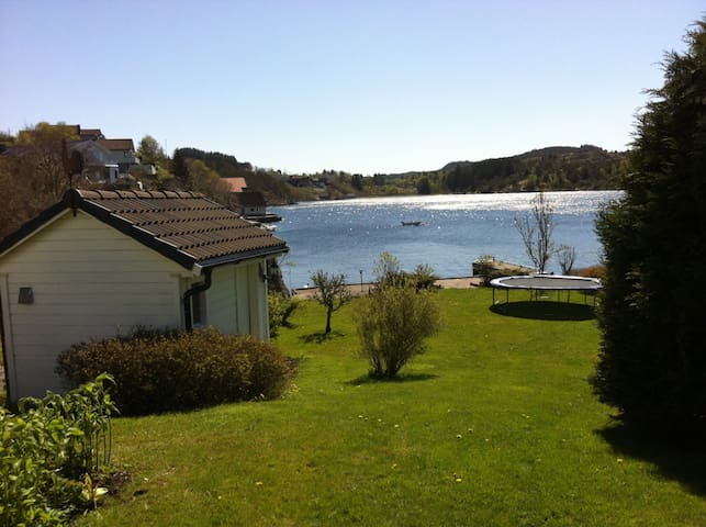Family-friendly place by the fjord - Kopervik - Hus