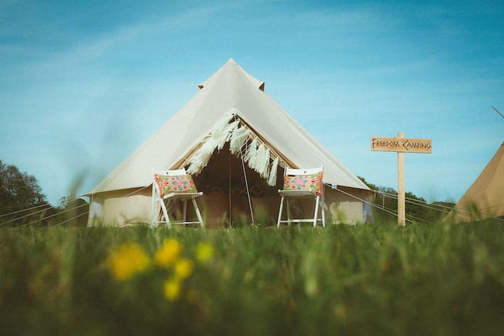 Luxury 5m Bell Tent - East Grinstead