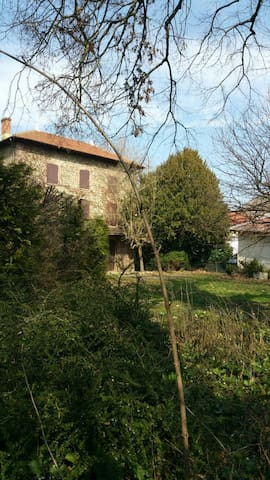 Maison de maître Dauphinoise - Beaurepaire - บ้าน
