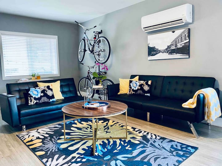 Urban home located in the heart of downtown Renton