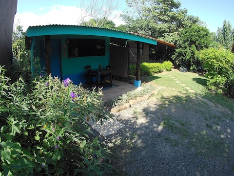A/C - Cozy downtown colorful Casita!! :)
