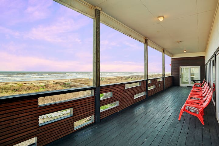 Surfside Beach Direct beachfront with great views