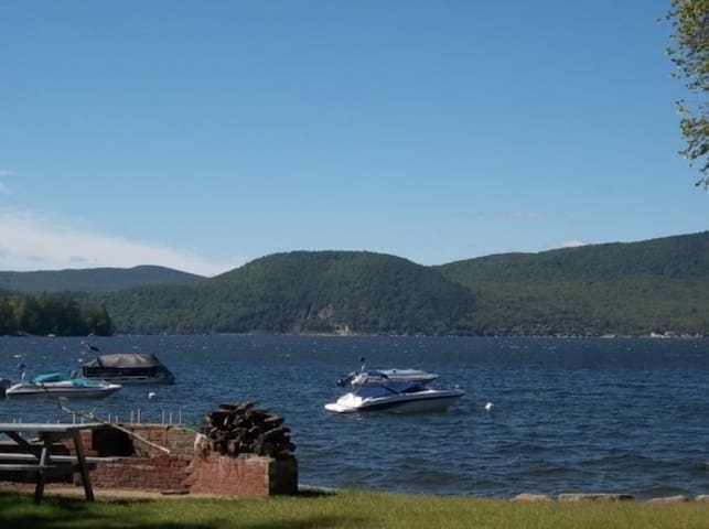 Newfound Lake, NH Waterfront Condo - Bristol - Osakehuoneisto