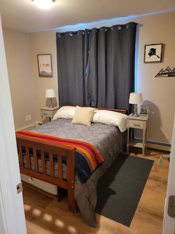 The guest bedroom is equipped with a pull out trundlebed under the guest bed allowing for 3 people.