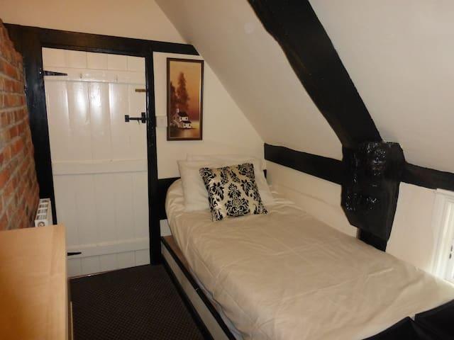 Twin Bedroom Avon Mist
