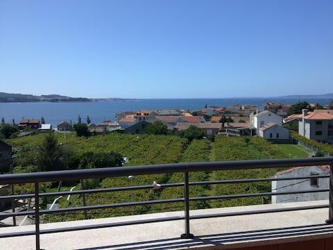 Beautiful apartment with sea views.CAMBADOS