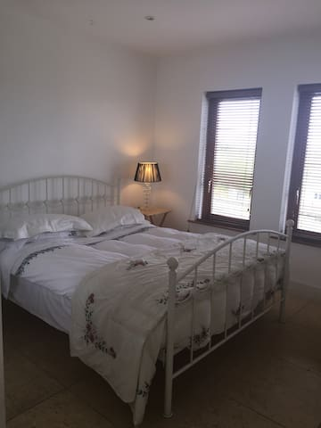 Double room with Donegal bay view - Donegal Town - Bed & Breakfast