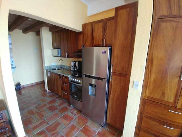 Fully equipped, recently remodelled kitchen with everything you need to prepare meals.