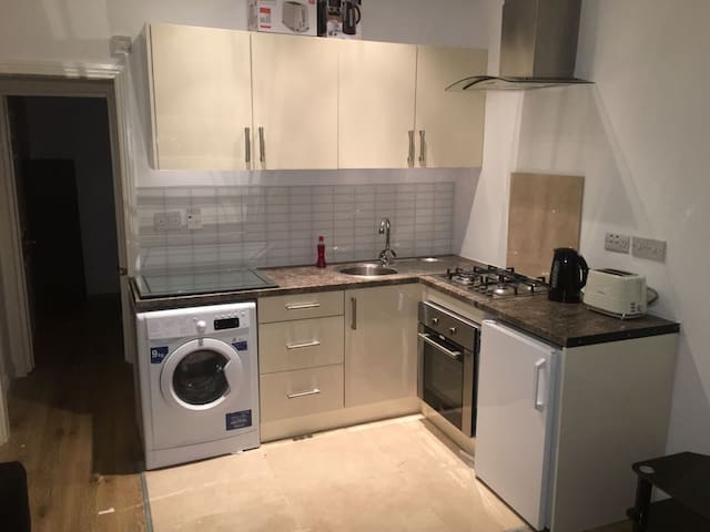 Bright 1 Bedroom Flat North London