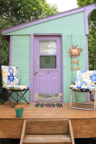 SPRING BREAK Tiny House for FUN or RELAXATION