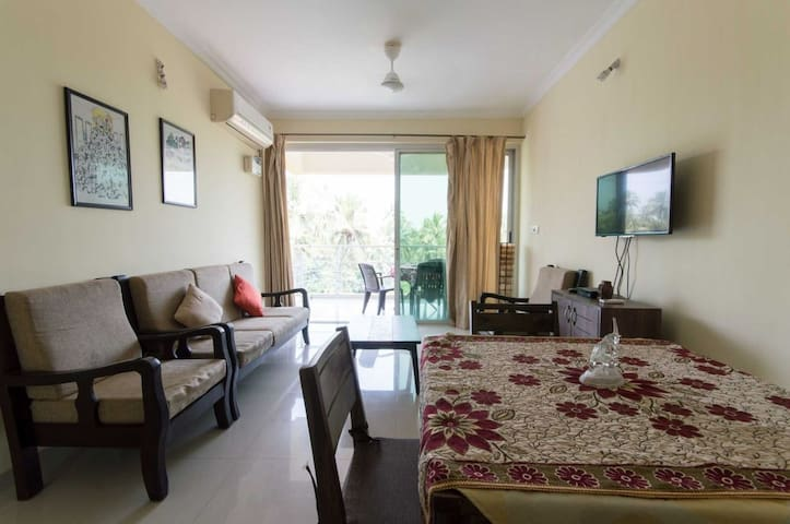 Cozy 2 bedroom apartment/pool/7 min candolim beach