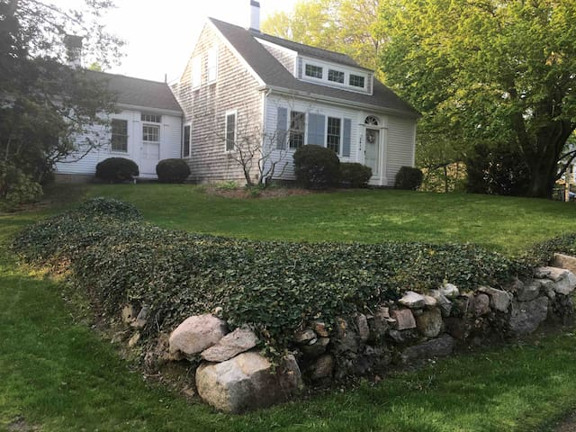 Spacious Cape Home close to Barnstable Village