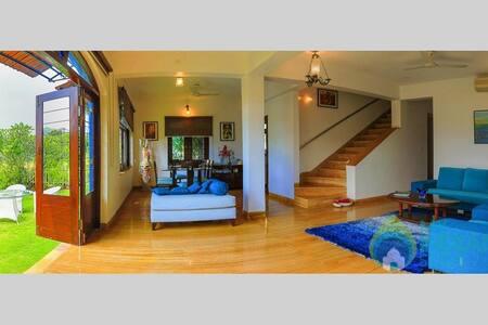Portuguese styled villa In Arpora - Nagoa