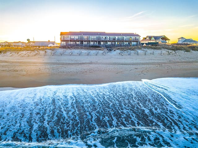 SW11 - A Great Escape - Oceanfront - Community Pool