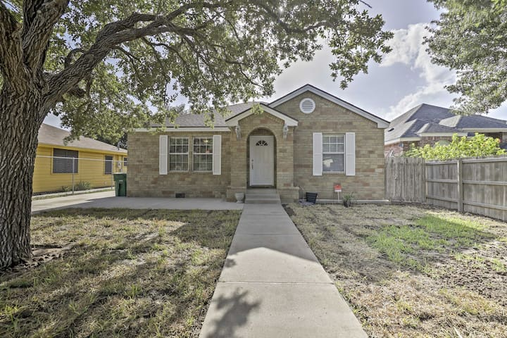 NEW! Cozy 3BR Weslaco House in Quiet Neighborhood!