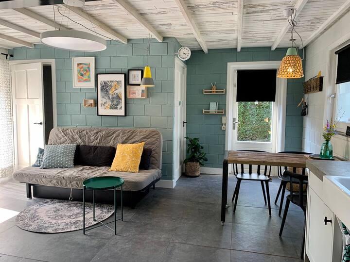 Sfeervol vakantiehuisje met privé terras en tuin