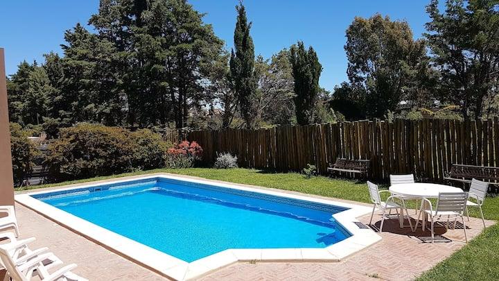 Casa de Verano con Pileta , jardin, hidromasaje.