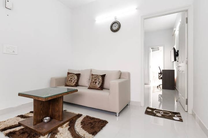 OLIVE Modern 1 Bed Apt with Kitchen @ Hitech City
