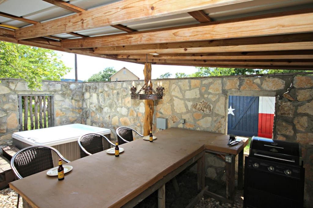 Outdoor Pavilion - Includes covered bar area, gas grill, and hot tub