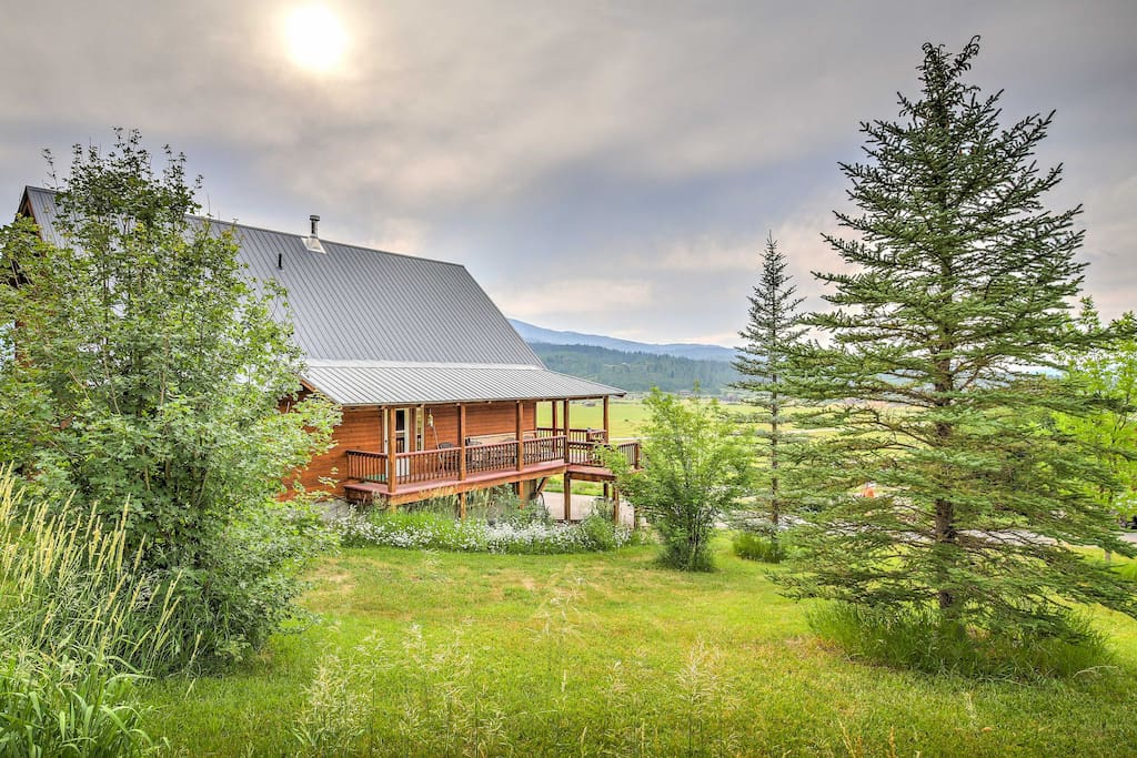 This tranquil property is situated on a secluded, sprawling green close to lakes, rivers, slopes, trails and more!