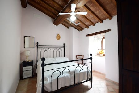 B&B Il Gioiellino camera Perla - Monte Santa Maria Tiberina - ที่พักพร้อมอาหารเช้า